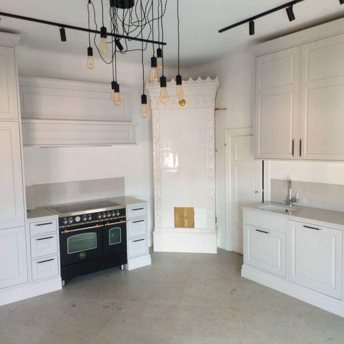 Nestandartiniai korpusiniai baldai arunobaldai virtuves baldai