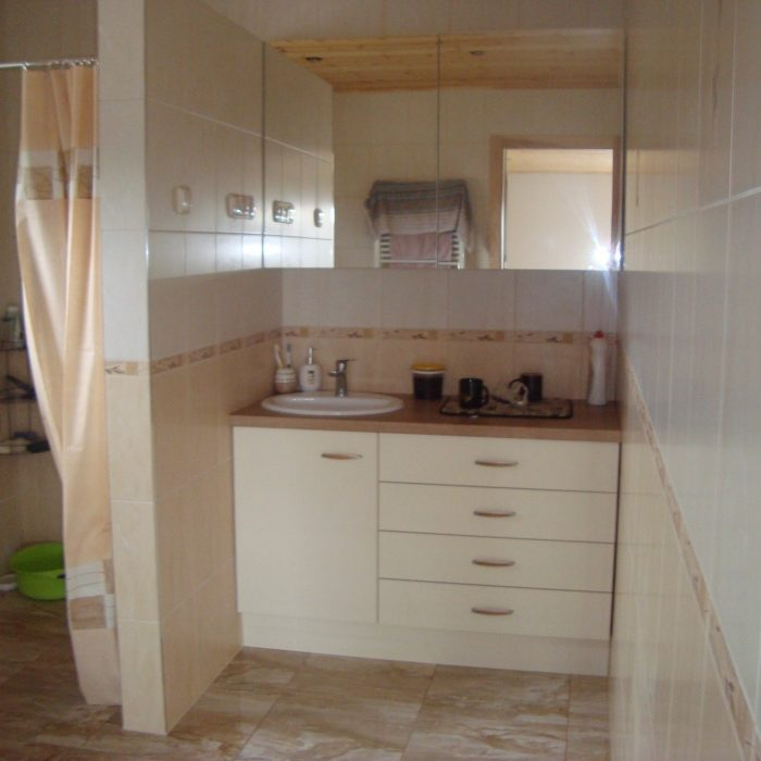 Nestandartiniai korpusiniai baldai baldai pagal individualius uzsakymus vonios baldai aruno baldai (3)