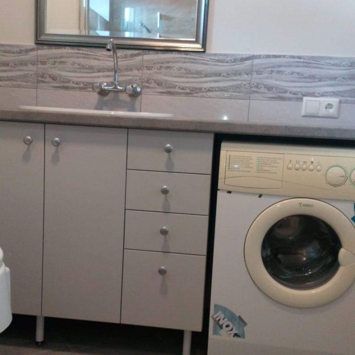 nestandartiniai baldai nestandartiniu baldu gamyba vonios baldai arunobaldaikretingoje nestandartiniai korpusiniai baldai2
